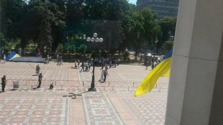 новости Украины, акция протеста, тарифы, Верховная Рада, Кабмин, коммунальные услуги, профсоюзы