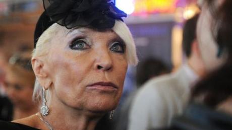 На актрису Светличную рухнул столб во время съемки – журналисты росСМИ сбежали с места ЧП