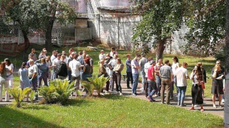 В Беларуси люди массово уходят с предприятий и выдвигают требования