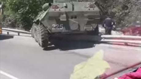 бтр, симферополь, крым, армия россии, дтп, происшествия, видео