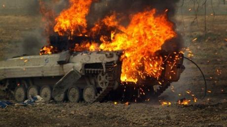 13 убитых, подбитый танк и БМП: террористы в районе села Каменка понесли ощутимые потери – кадры