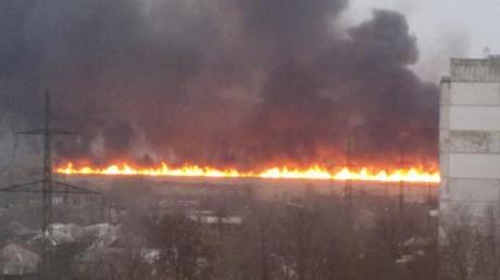 """луганск, """"лнр"""", пожар, пламя, заправка, камыш, видео, фото, армия, терроризм, чп, происшествия, новости украины"""