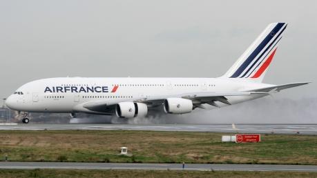 Послабление санкций: впервые за много лет начали выполняться авиарейсы между Францией и Ираном