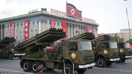Северная Корея вновь бряцает оружием: на границе с демилитаризированной зоной, разделяющей полуостров, разместили около 300 реактивных систем залпового огня