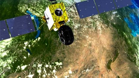 Порошенко предложили арестовывать пролетающие над Украиной российские спутники и уничтожать их как контрабанду