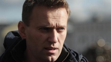 """Прокуратура России готовит Навальному 10 лет тюрьмы за """"Ив Роше"""""""