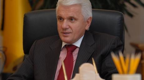 Литвин: Украине нужен послушный премьер-министр, не претендующий на кресло президента