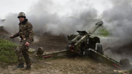 """Официально: Армения угрожает """"адекватным ответным ударом"""" по войскам Азербайджана"""