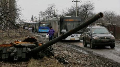 ДНР: украинские военные выехали из дебальцевского котла  под видом мирных жителей