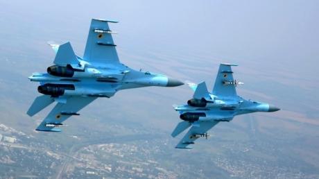 Над Днепром заметили военные самолеты
