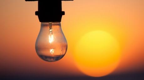 Хоть камни с неба? Оккупанты из России готовятся к отключению электроэнергии в Крыму почти на неделю