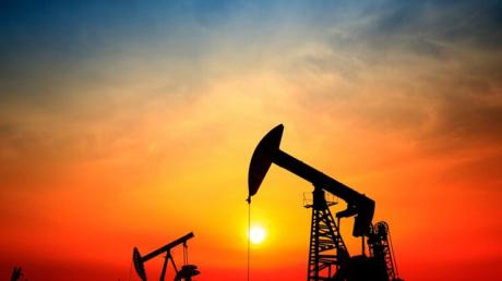 Цена нефти рухнула до 30 долларов за баррель - Россию может ждать экономическая катастрофа