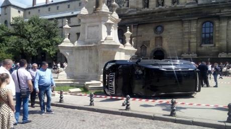 Жуткая авария возле костела в центре Львова: стало известно, кем оказался водитель. СМИ сообщили имя и фамилию виновника смертельного наезда