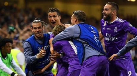 Мадридский Реал стал победителем Лиги чемпионов,  первой командой в мире, сумевшей выиграть дважды подряд