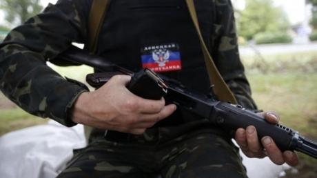 Российский террорист Николай Минченко сбежал из расположения части в оккупированном Донецке с оружием и взял в заложники женщину - разведка