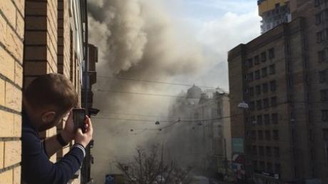 """В Киеве горит ресторан сети """"Вареничная """"Катюша"""""""