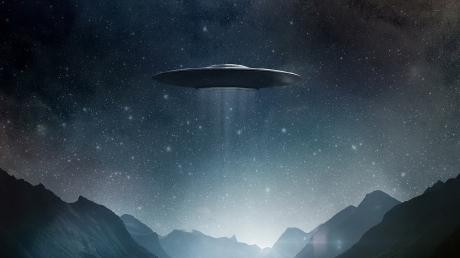 V-образный НЛО заметили в небе над Северной Каролиной - кадры