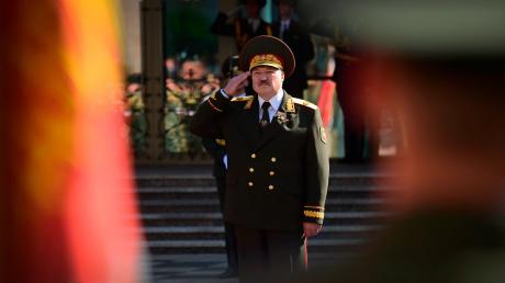 """Багдасаров напомнил Лукашенко о """"грехе"""" перед Россией: """"Надо компенсировать"""""""