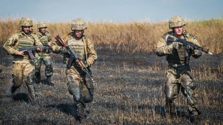 Украинские бойцы применили против боевиков новое оружие на Светлодарской дуге: у врага  потери, уничтожена важная позиция террористов