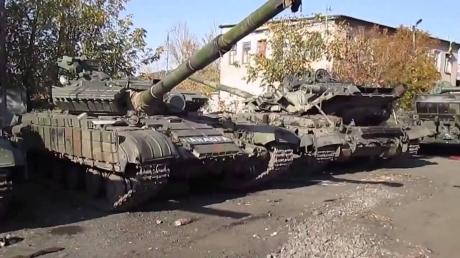 Наблюдатели ОБСЕ зафиксировали передвижение танков в Луганске