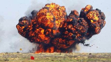 Масштабная трагедия в РФ: на границе с Казахстаном взорвался склад боеприпасов - сгорели десятки человек