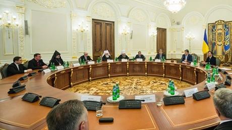 Порошенко выступил за традиционные ценности: однополых браков в Украине не будет