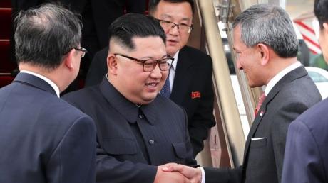 Опубликованы первые кадры прибытия Ким Чен Ына на встречу с Трампом в Сингапур