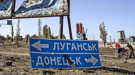 Жители Украины ответили, хотят ли восстановления связей с оккупированным Донбассом: результаты опроса