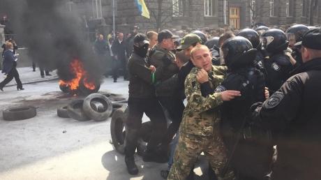 автомайдан, киев, акции протеста, шины, порошенко, общество, украина