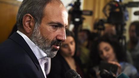 СМИ: В Ереване под круглосуточную охрану взята вся семья Пашиняна - подробности