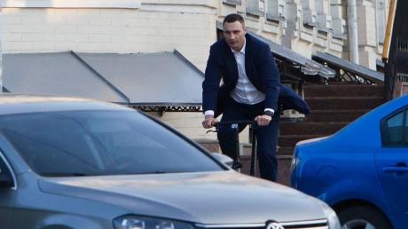 виталий кличко, мэр, падение, велосипед, происшествия, курьезы, общество, политика, украина, киев