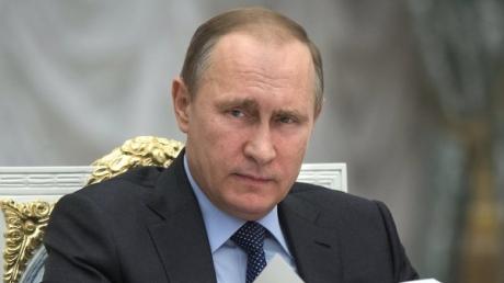 """Сместят сразу: на Западе ответили, сколько Путин еще будет """"рулить"""" Россией"""