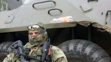 К Дебальцево боевики перебросили 6 танков, 11 крытых грузовых автомобилей и 4 БТР, - «ИС»