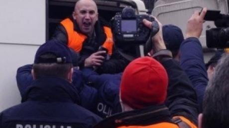 "Грэм Филлипс ""под дозой"" пришел на суд Савченко - пристав едва не выгнал скандалиста за провокации"