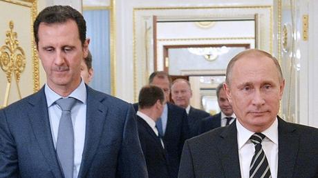Замечены характерные желтые баллоны: эксперты объяснили, чем и за что Асад и Путин травили мирных жителей Думы