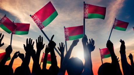 Лукашенко выводит своих сторонников на митинг в Минске: стала известна дата
