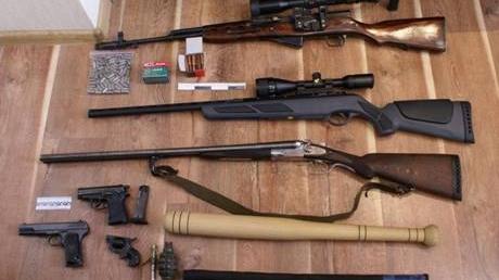 """МВД: По Донетчине """"гуляли"""" сотни единиц оружия, кое-что изъяли"""