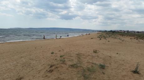 новости, Украина, Крым, курорты, Феодосия, пустые пляжи, фото, отдыхающие, туристы, соцсети, кадры, курортный сезон
