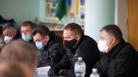 Зеленский отправил Ермака, Данилова и Авакова тушить пожары под Житомир - кадры