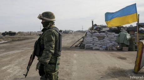 Сепаратисты 15 раз ударили по украинским бойцам в районе Луганского
