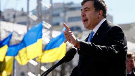 Саакашвили: Боевой дух у украинских солдат высокий, а нужного снаряжения нет