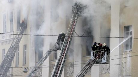 Здание Минобороны РФ в Москве горело опять - пламя тушили более 120 пожарных