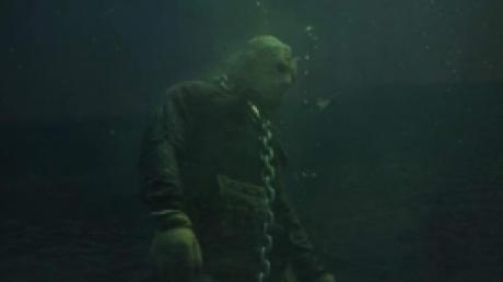 Дайверы неожиданно обнаружили памятник серийному убийце на дне озера – подробности