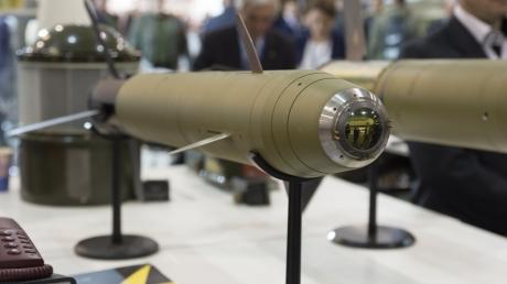 """Это оружие не оставит ни единого шанса кремлевским войскам: в Украине создали """"умный"""" снаряд, который поражает цель на расстоянии 12 км, - кадры"""
