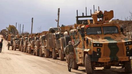 """""""Война все ближе"""", - сотни танков, БМП, авиация, тысячи военных ВС Турции пересекли границу Сирии после провала переговоров с Москвой"""