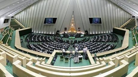 Атаки в Иране: напавший на мавзолей принял цианид - СМИ