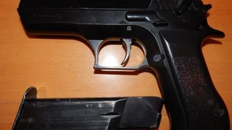 В Миргороде третьеклассник принес в школу пневматический пистолет