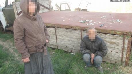 Похищенных супругов из Запорожской области нашли запертыми в ангаре со взрывчаткой и на цепи: опубликованы кадры