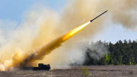 """Сверхточная украинская ракета """"Ольха-М"""" на новых испытаниях поразила цель с первого пуска - у противника нет шансов, кадры"""