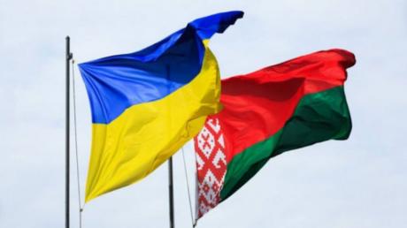 Украинцы не смогут проехать в Беларусь по внутреннему паспорту: в Кабмине назвали причины и сроки